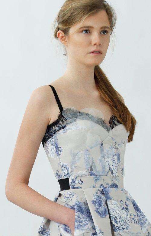 IVA corset